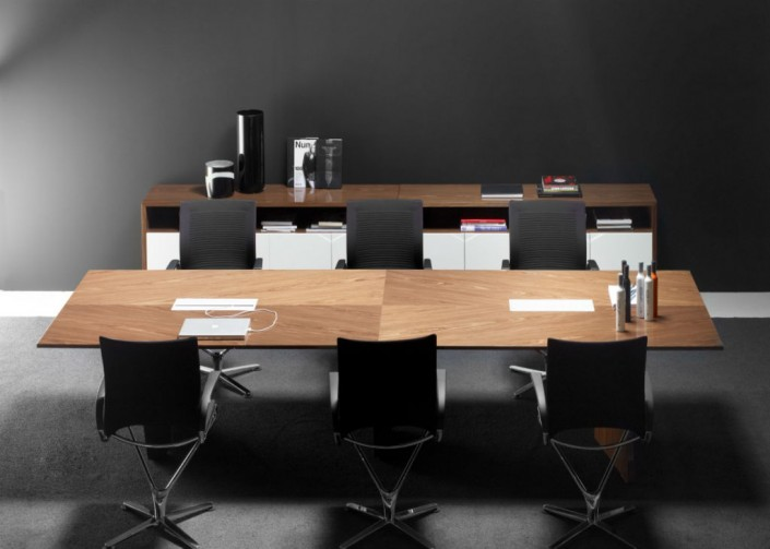Guialmi Origami Meeting Table in Natural Walnut Veneer