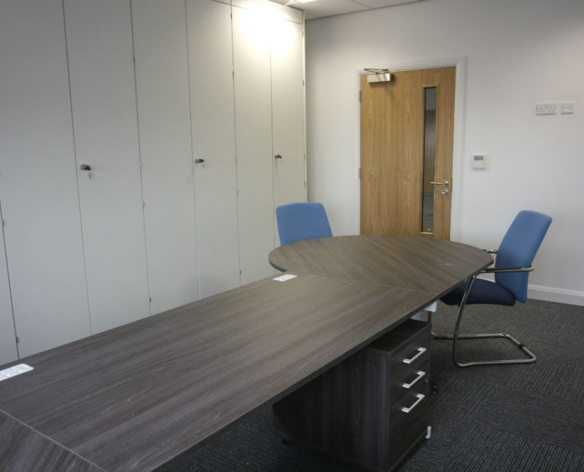 Executive Desks - Office Desks - Office Furniture Delivery & Installation