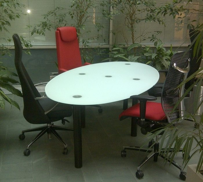 Glass Tables - Meeting Tables - Meeting Room Furniture