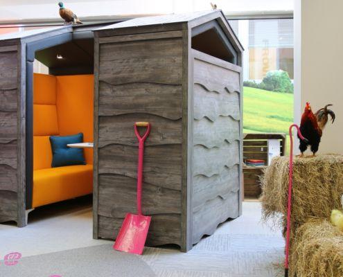 Huddle shed